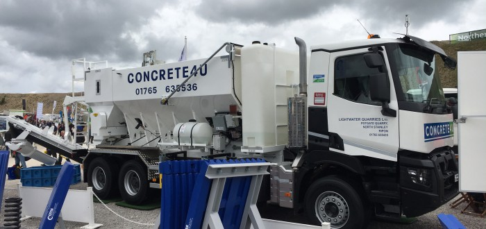 concrete mix wagon on site